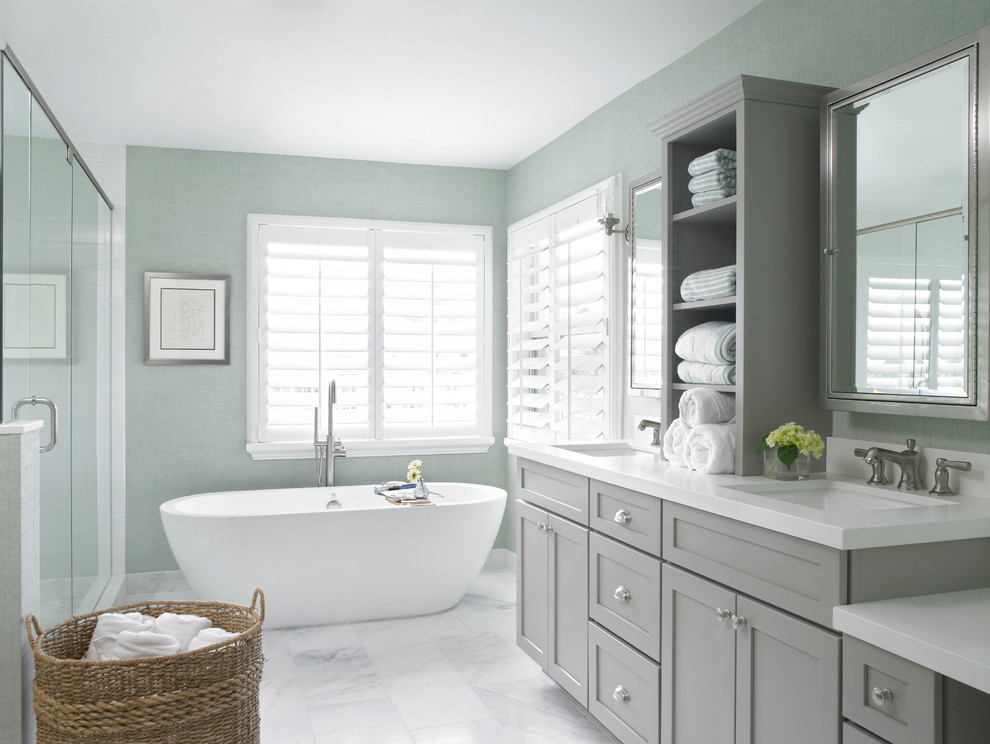 gray-cabinets-bathroom-decor