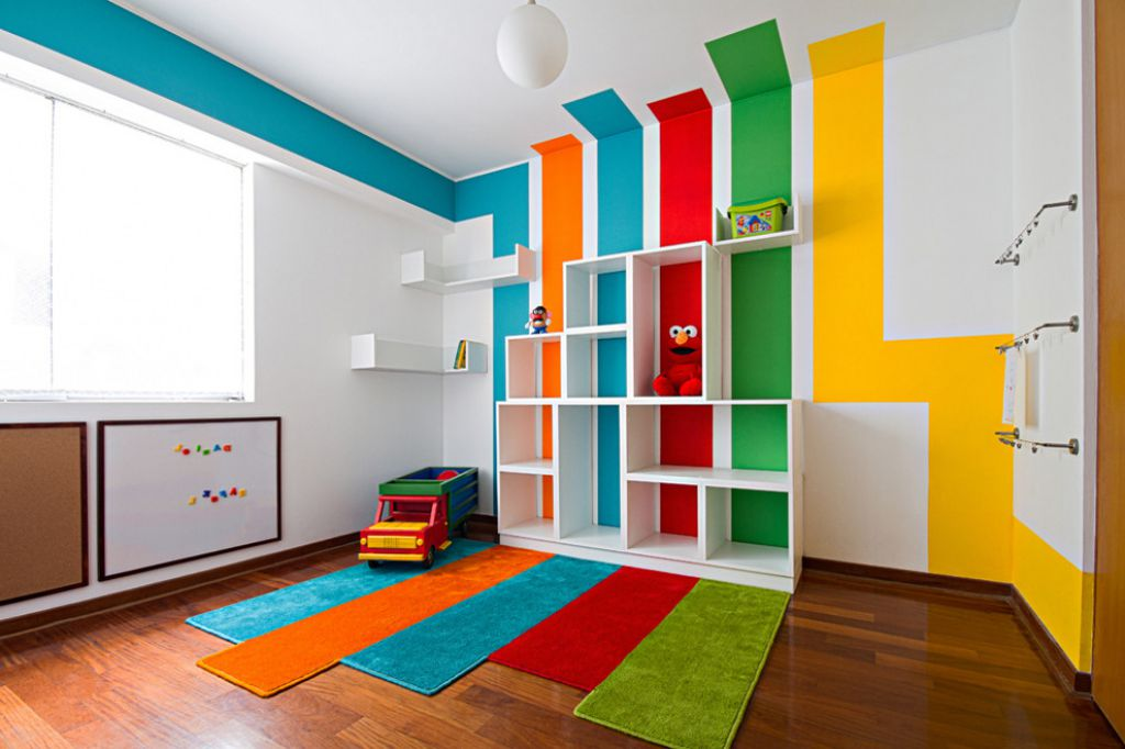 wonderful-kids-playroom-ideas-with-cool-multicolored-striped-wall-paint-design-and-white-plywood-cubicles-shelves-plus-lovely-colorful-rugs-above-brown-oak-wood-laminate-floor